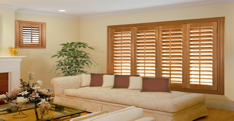 wood shutters San Antonio lounge