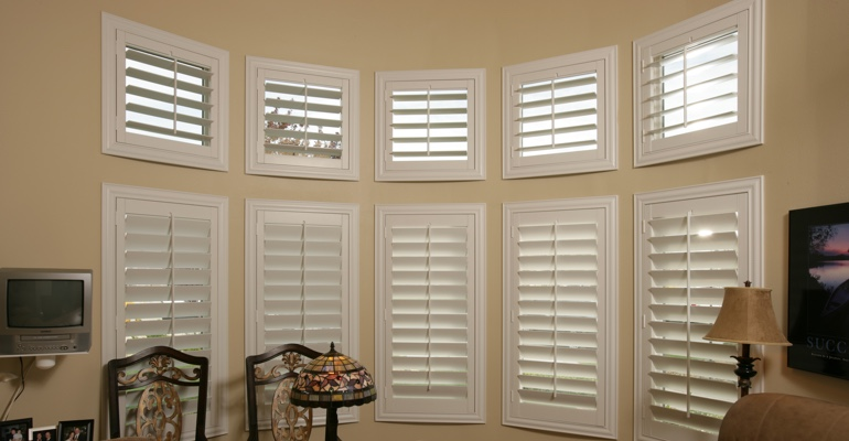 Bay window shutters San Antonio home office