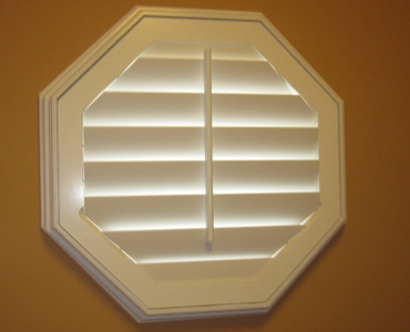 San Antonio octagon window shutter